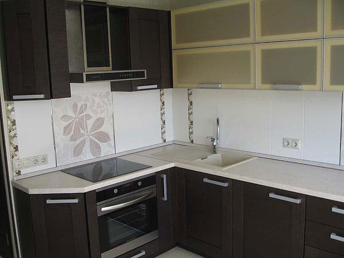 Возможно исполнение кухни как с рамочными фасадами, так и с...